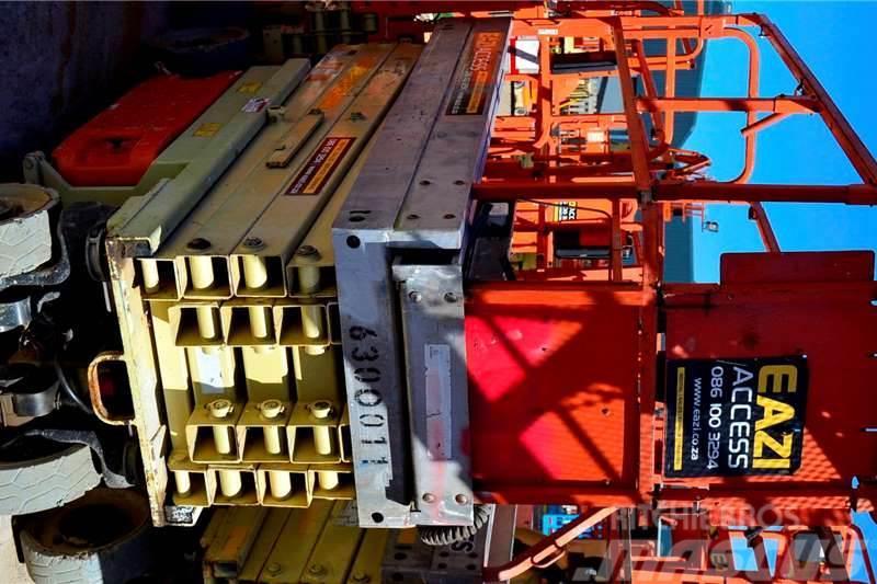 JLG 2630 9.7m Narrow Electric Scissor Lift