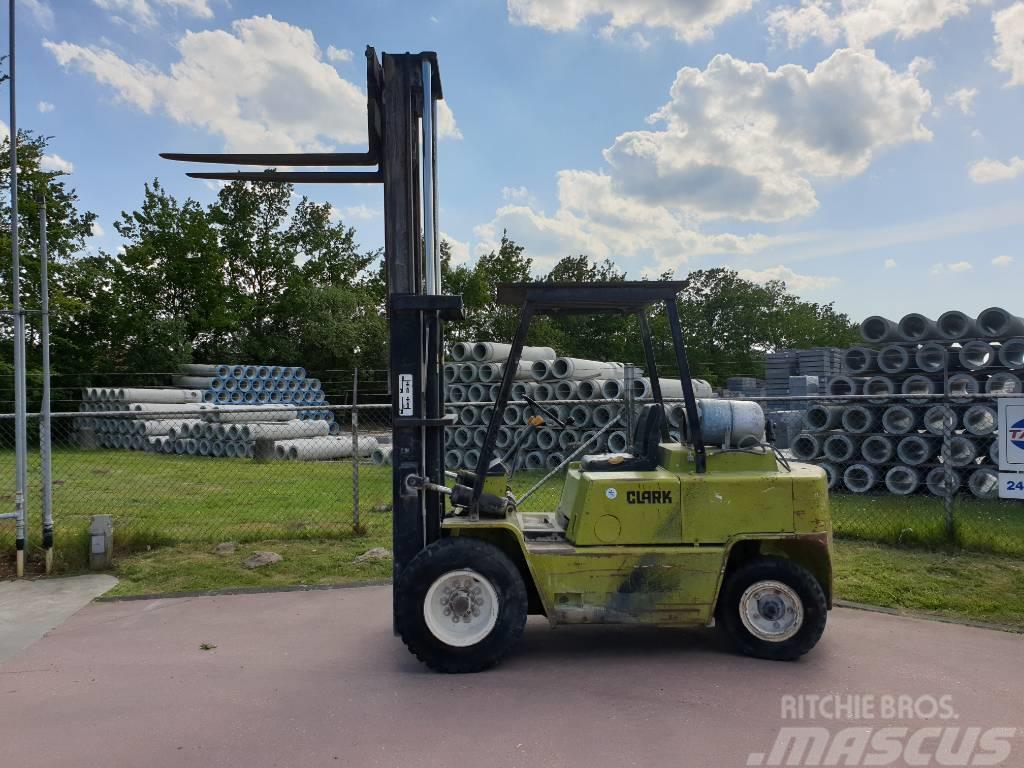Clark C500 Y 80 lpg heftruck