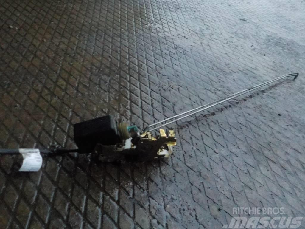 Mercedes-Benz Actros MPII Door lock 7205635 0007200735 943720073
