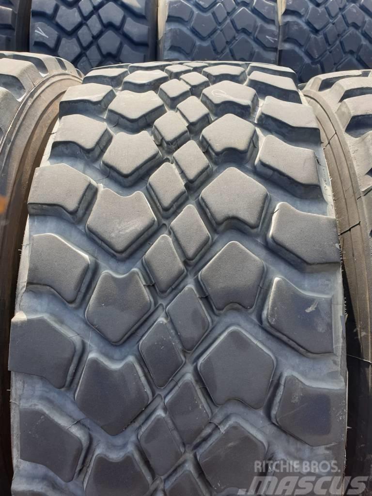 [Other] 445/65R22.5 18R22.5 168G Michelin XZL & Goodyear G