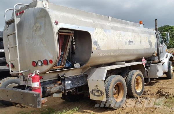 Ford Fuel truck F9000