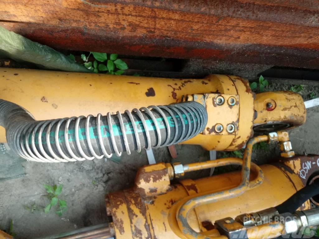 Liebherr Siłownik Liebherr Hydraulic cylinder 81 60 70