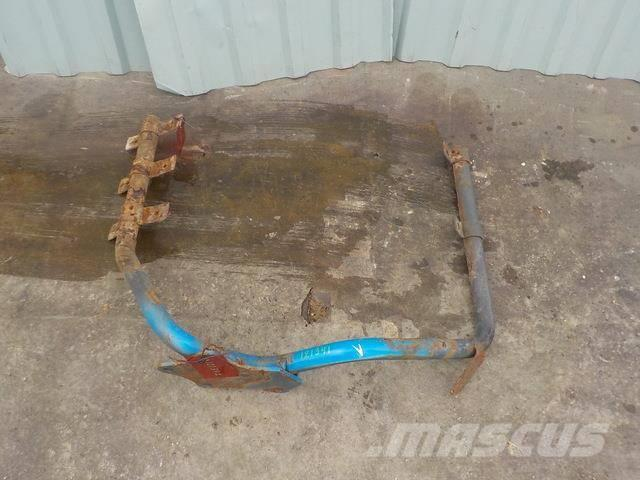 Mercedes-Benz Atego MPI Fender bracket front left 9405201433
