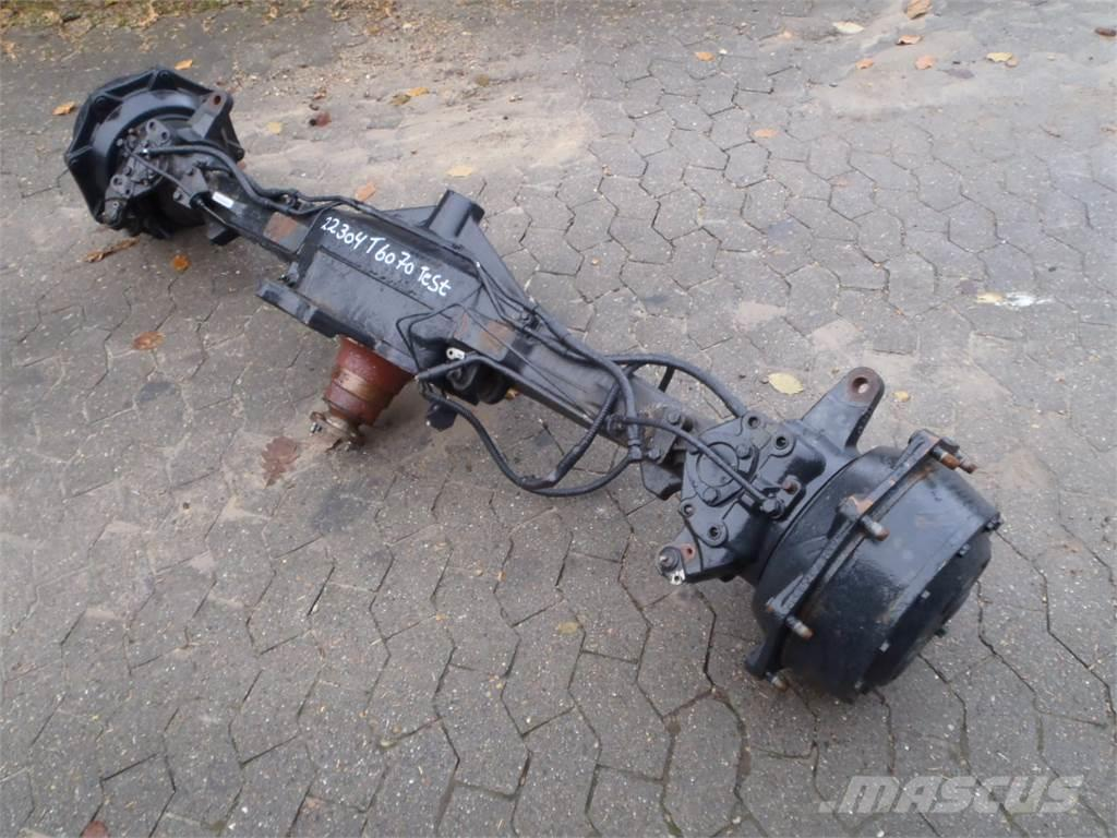 [Other] Front axle New Holland T6070