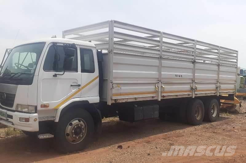Nissan UD 100 12 Ton Cattle Body 6x2