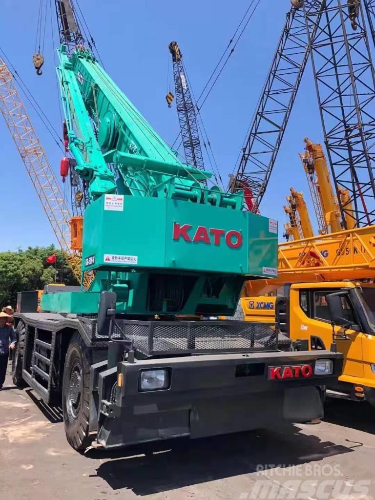 Kato 50 ton rough terrain crane