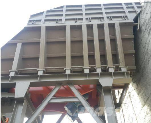 Constmach CONSTMACH VIBRATING FEEDER & HOPPER FOR CRUSHING P