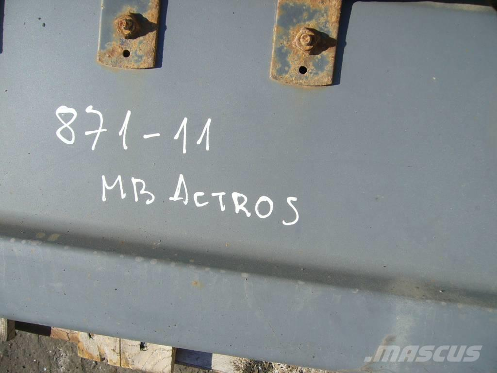 Mercedes-Benz ACTROS 1843 fender with bracket