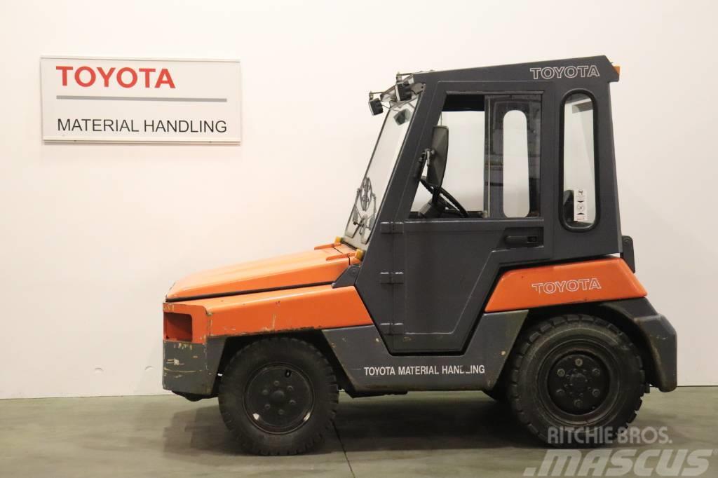 Toyota 02-2 TD 20