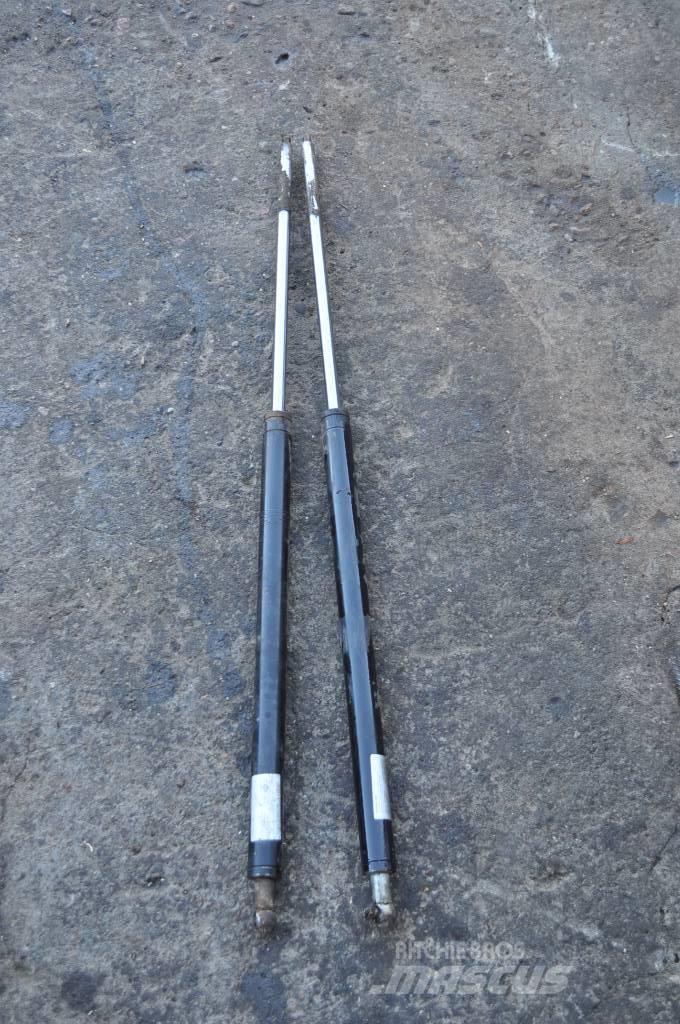 Timberjack 1270B F058401 Siłownik maski