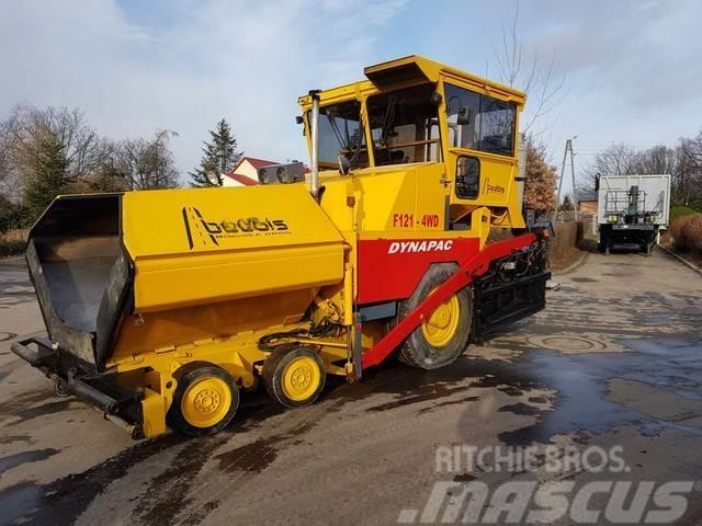 Dynapac -- 121-4WD      rozściełacz asfaltu