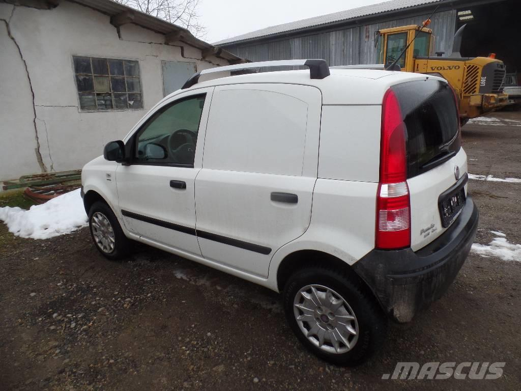 fiat panda occasion prix 6 900 ann e d 39 immatriculation 2012 utilitaire fiat panda. Black Bedroom Furniture Sets. Home Design Ideas