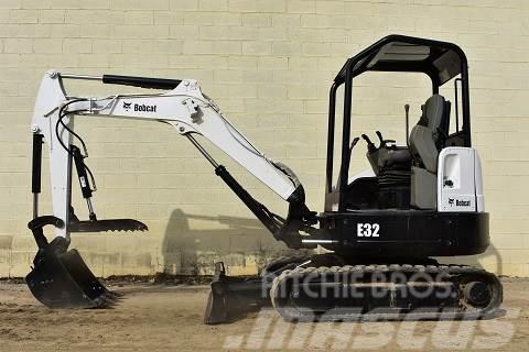 Bobcat E32M