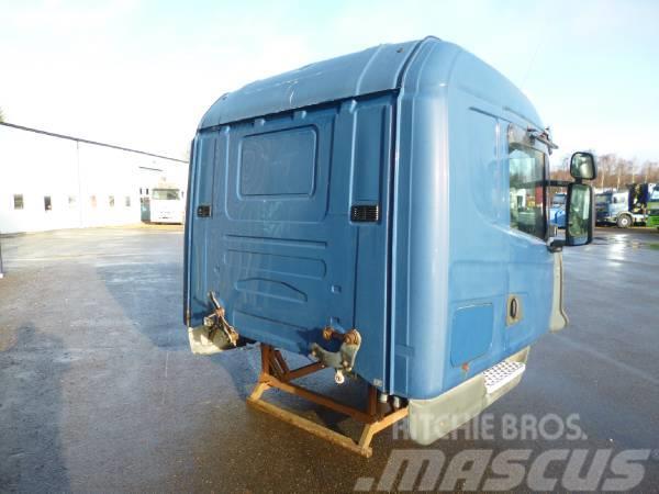 Scania T144 CT19, 2001, Hytter