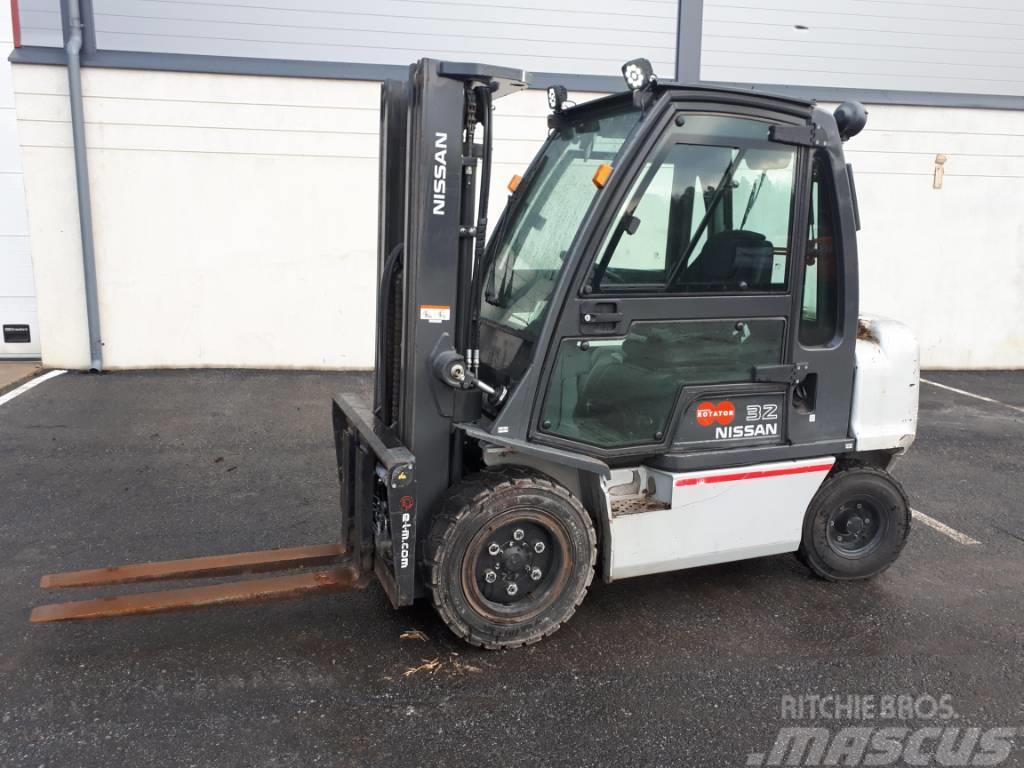 Nissan YG1D2A32Q