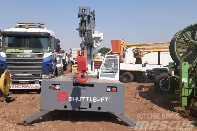 [Other] Shuttle Shift 3330 FL 7 Ton Mobile Crane