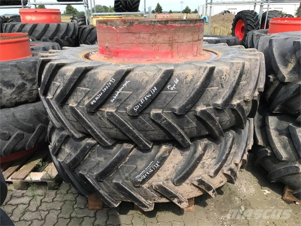 "Michelin 520/85 R46 an 38"" AgriBib"
