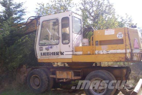 Liebherr 912 LITRONIC με σφυρί