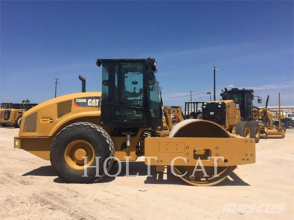 Caterpillar CS66B CAB