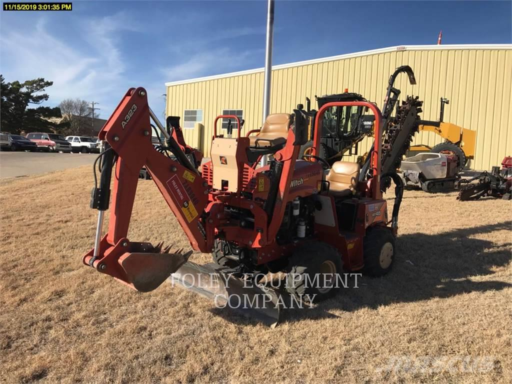 Ditch Witch (CHARLES MACHINE WORKS) RT45