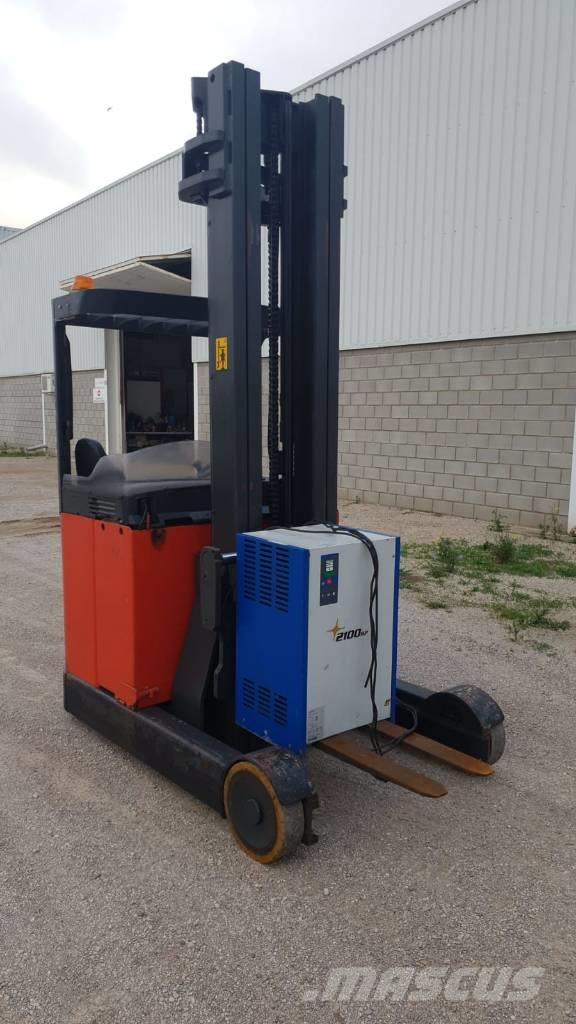 Linde R20 Reach truck second hand Daewoo.