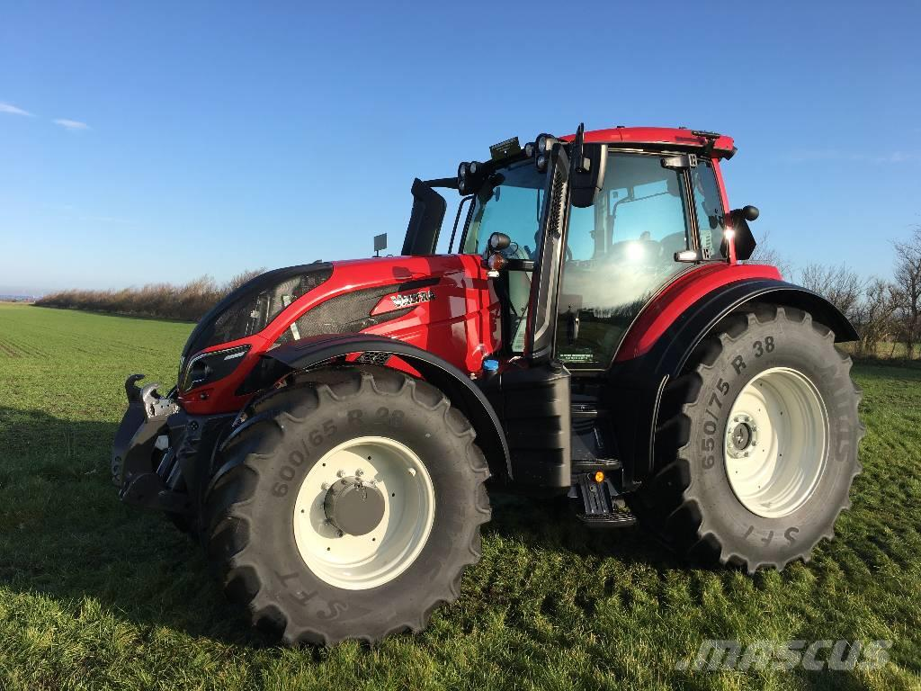 Valtra T254A m. Frontlift