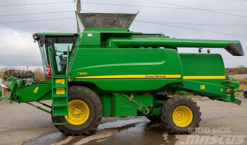 John Deere T 560