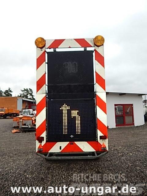 Schmitz Cargobull Schiffner & Schmitz Verkehrsleittafel LED