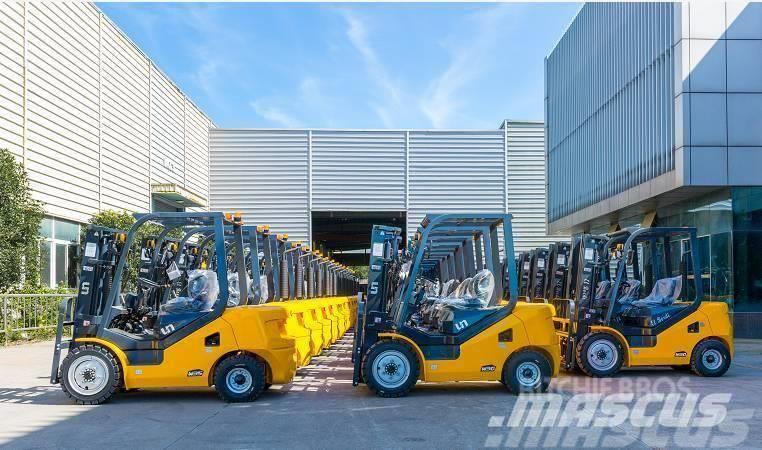UN Forklift FD50T Diesel Forklift with 3000mm Mast