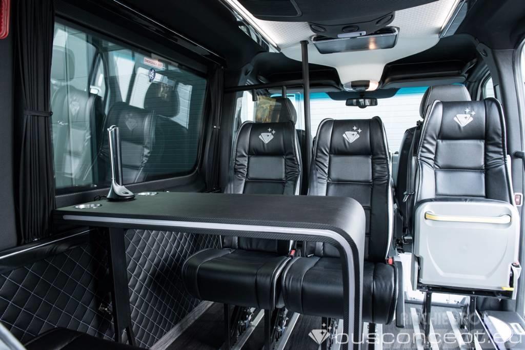 mercedes benz sprinter 319 cdi occasion prix 67 900 ann e d 39 immatriculation 2018. Black Bedroom Furniture Sets. Home Design Ideas