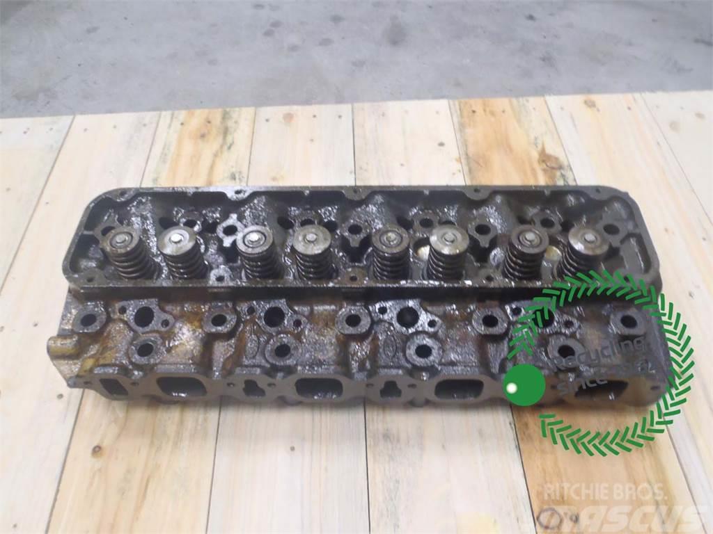 Ford 675 Cylinder head