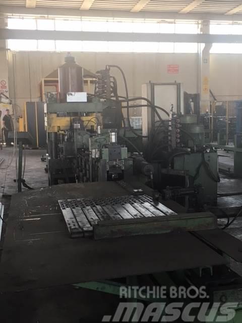 [Other] Impianto produzione cravatte per pilastri e relati