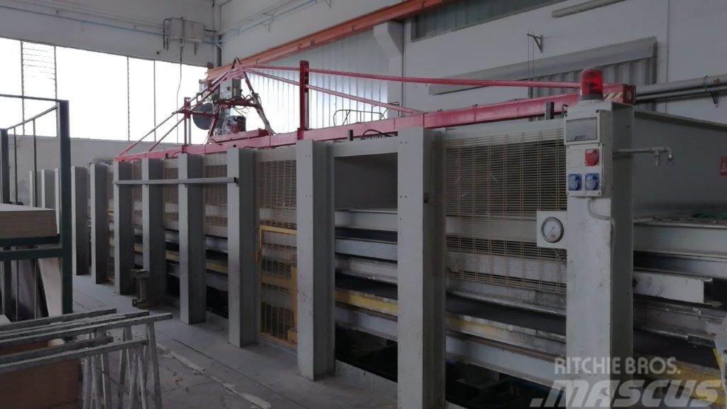 [Other] Pressa produzione pannelli camion frigo