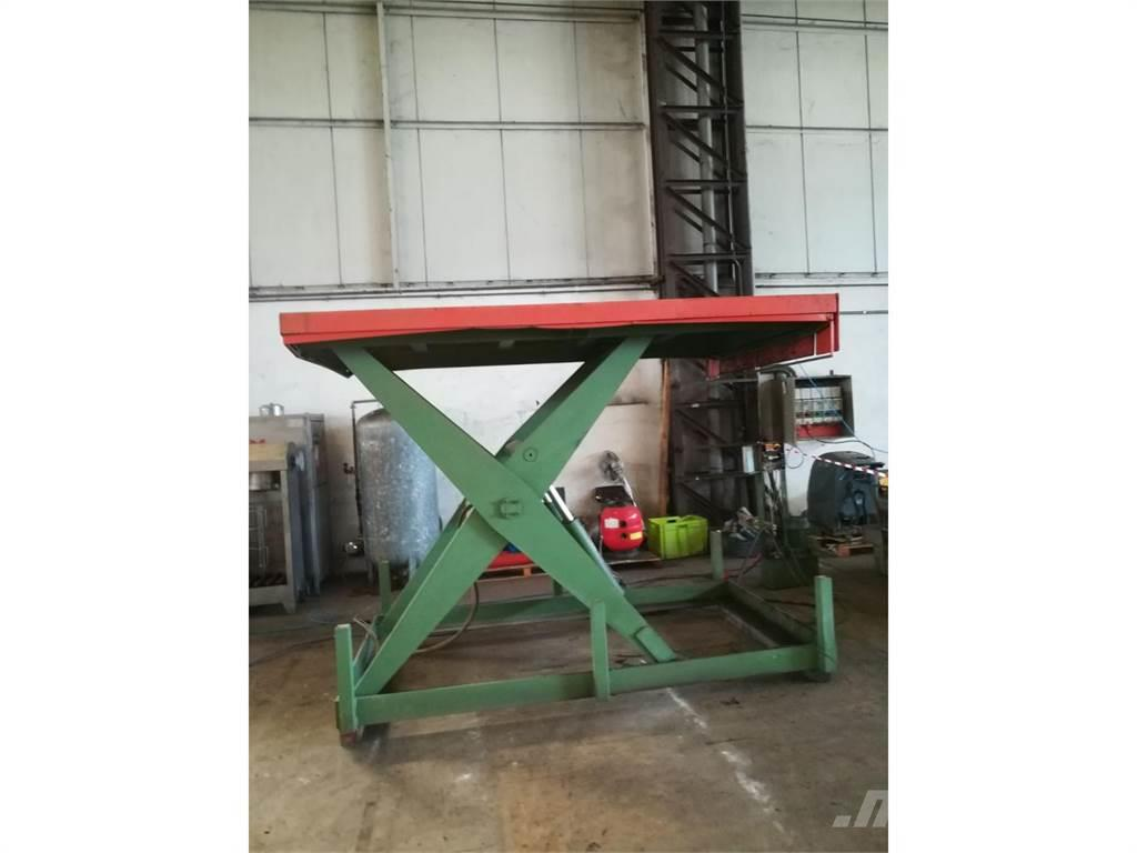 [Other] tavola elevabile idraulica portata 3000 kg 3000 x
