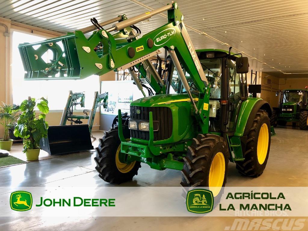 John Deere 6220