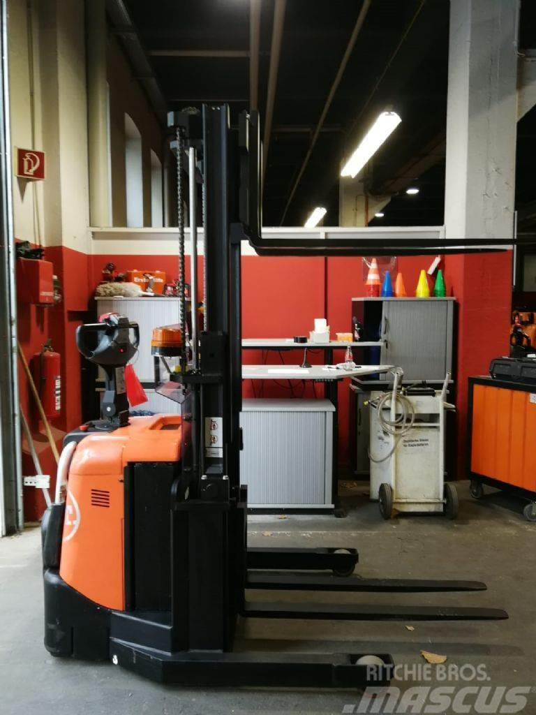 BT SPE 125 // 2.409 Std. / HH 1.800 mm / guter Zustan