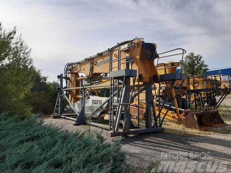 Liebherr R944B 18 metres