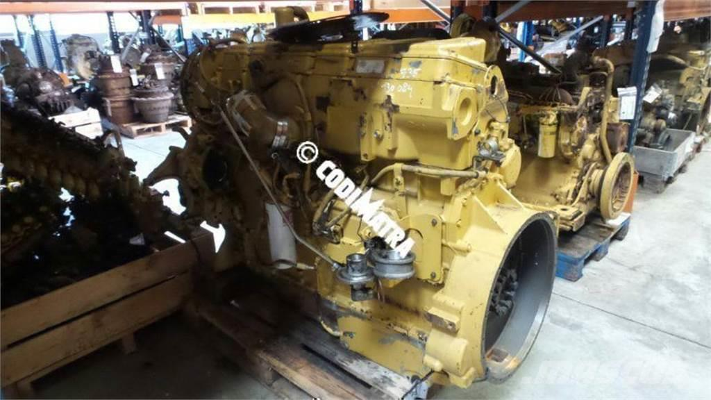 Caterpillar 735, Engines