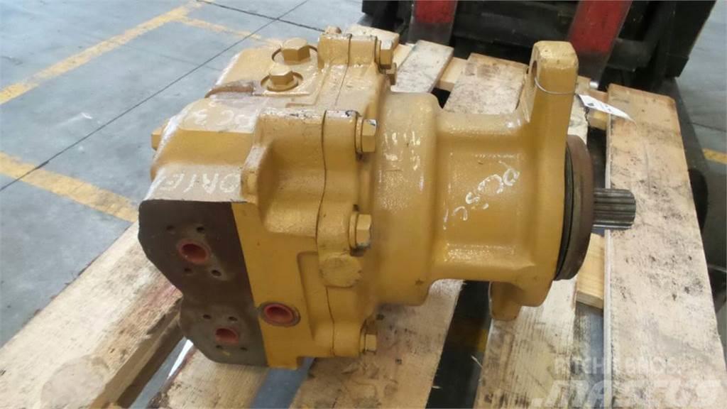 Komatsu PC300-3, Hydraulics