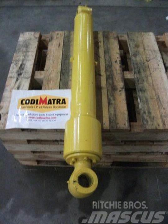 Komatsu PW75-1, Hydraulics