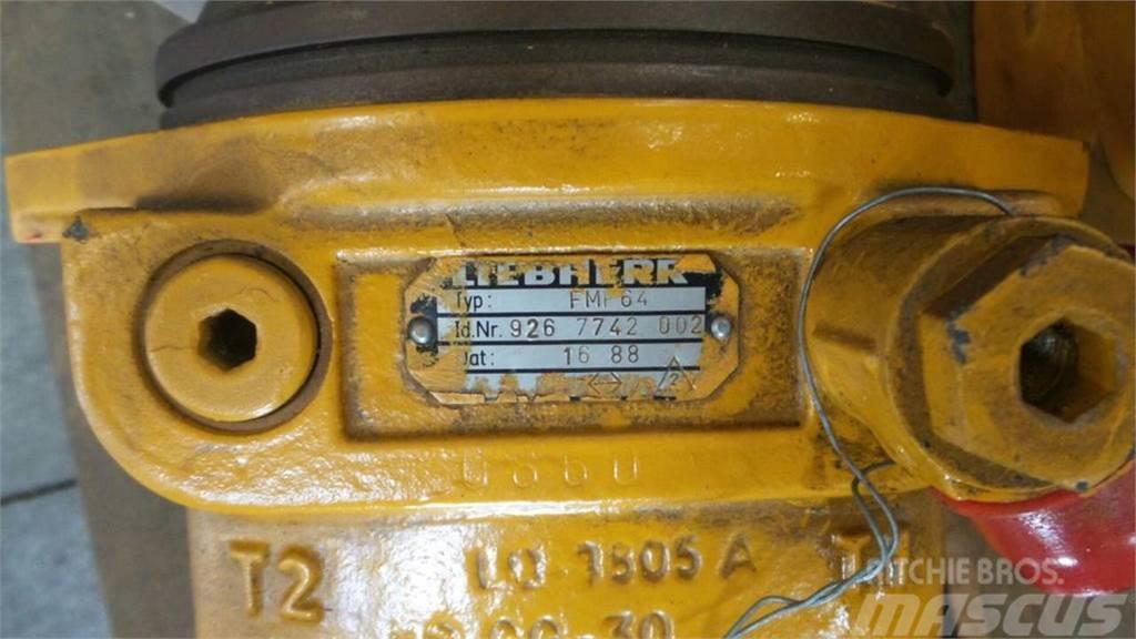 Liebherr R942HDSLI, Hydraulics