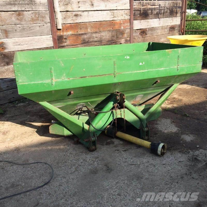 Amazone twin spreader with top extension £480 plus vat £57