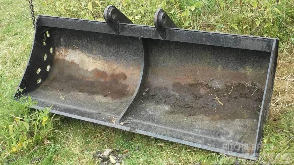 Geith Ditching Bucket x 1.5 metres £300 plus vat £360
