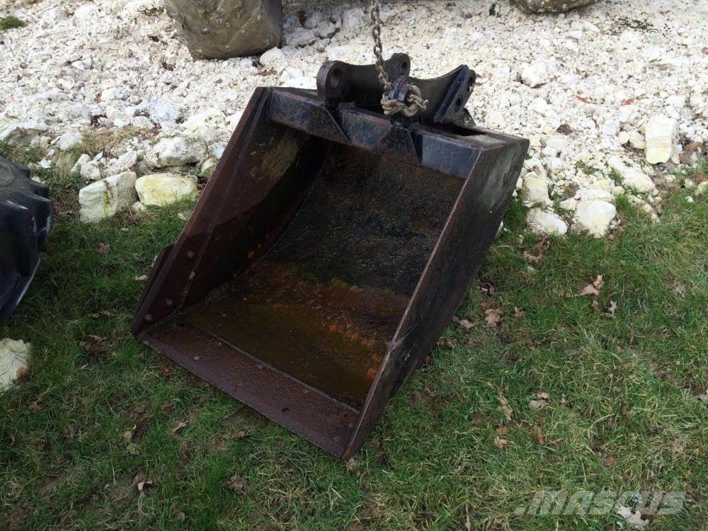 [Other] Bucket digging - back hoe £250 plus vat £300