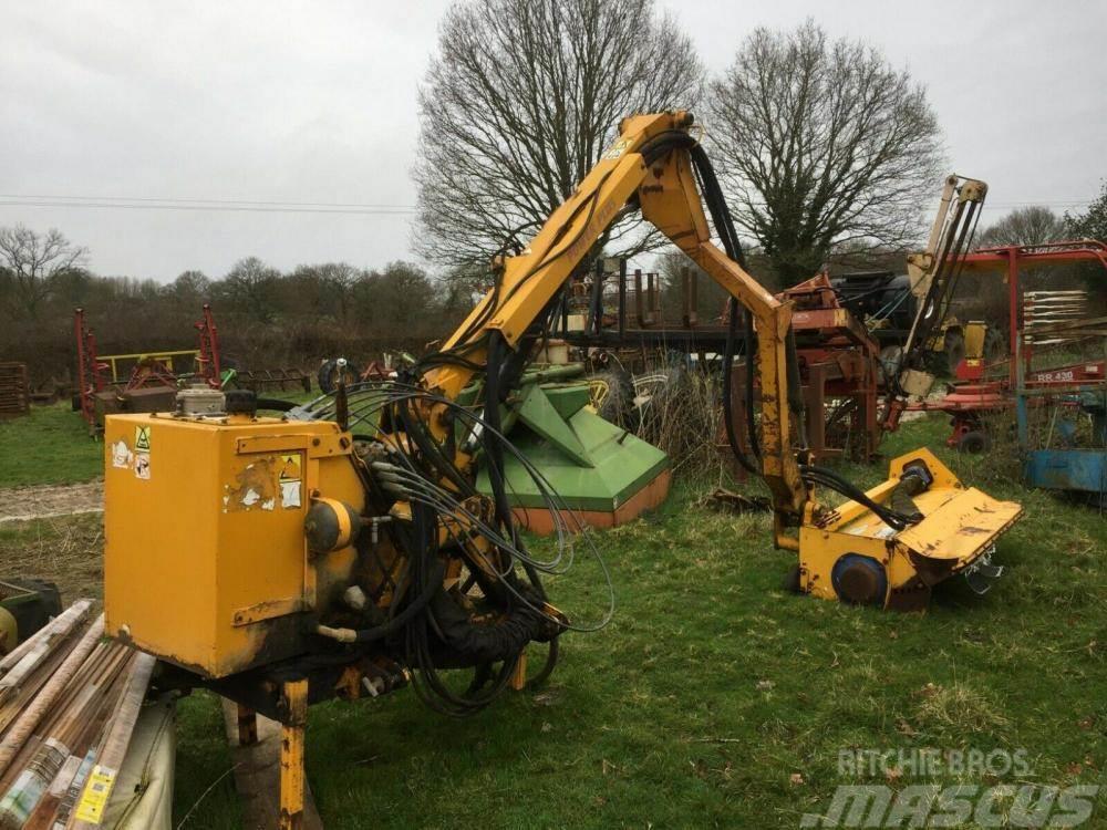 [Other] Hedge Trimmer Bomford B49 £1950 plus vat £2340