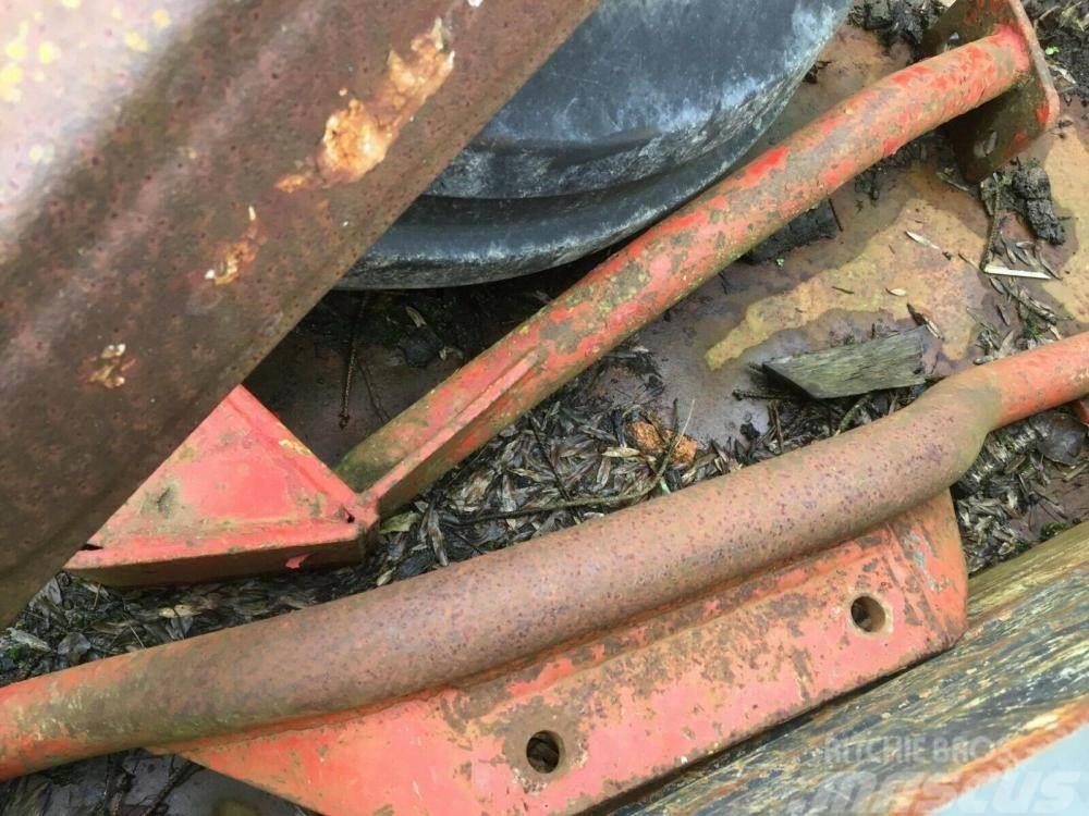 [Other] Tractor Loader Massey Ferguson 35 £450 Gatwick