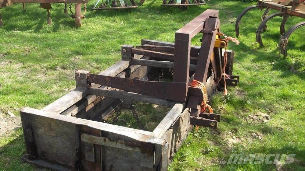 [Other] tractor mounted dung scraper £450