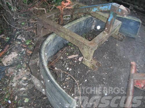[Other] yard scraper