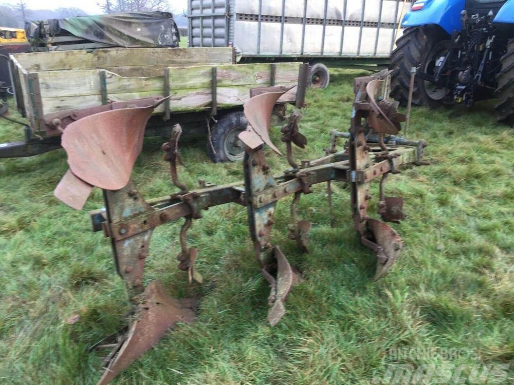 Ransomes 3 Furrow reversible plough £450 plus vat £540