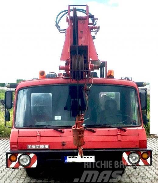 Tatra AD 28 T815
